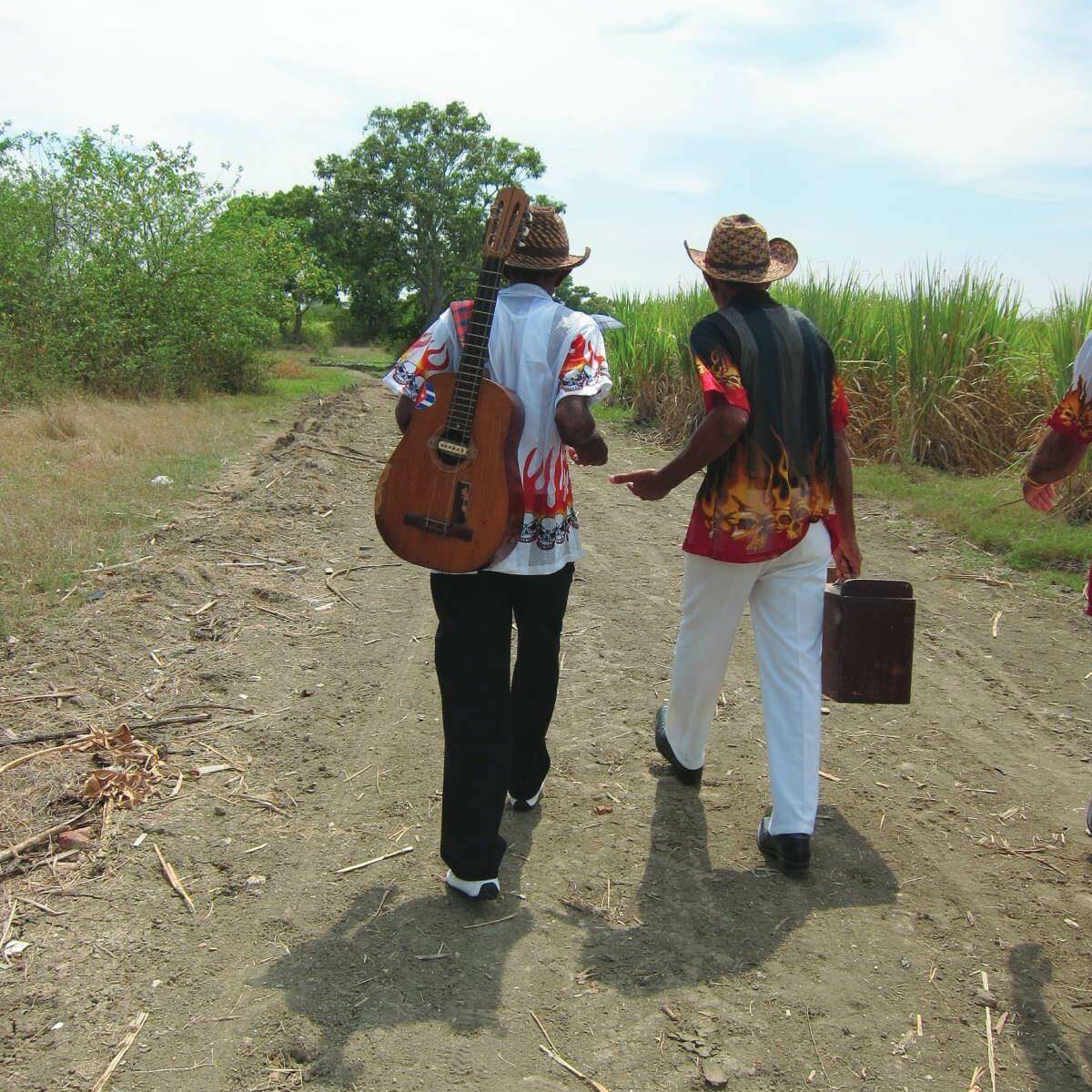 Pedro et Argelio Vera en route pour un concert